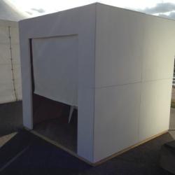 Le « White Cube » présenté lors de l'édition 2016 de « Un dimanche au bord du lac » @ Toulouse-Reynerie
